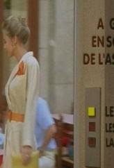 À gauche en sortant de l'ascenseur (1988) afişi