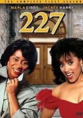 227 Sezon 1 (1985) afişi