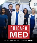 Chicago Med (2015) afişi