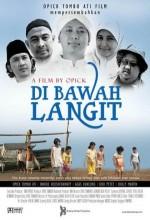 Di Bawah Langit (2010) afişi