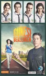 Güneşi Beklerken (2013) afişi