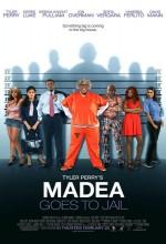 Madea Goes To Jail (2009) afişi