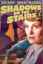 Merdivenlerdeki Gölgeler