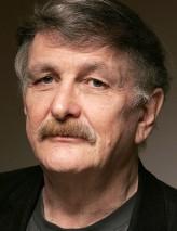 Paul Cox profil resmi
