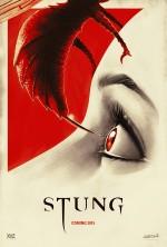 Stung (2015) afişi