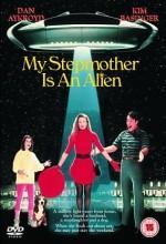 Üvey Annem Bir Uzaylı