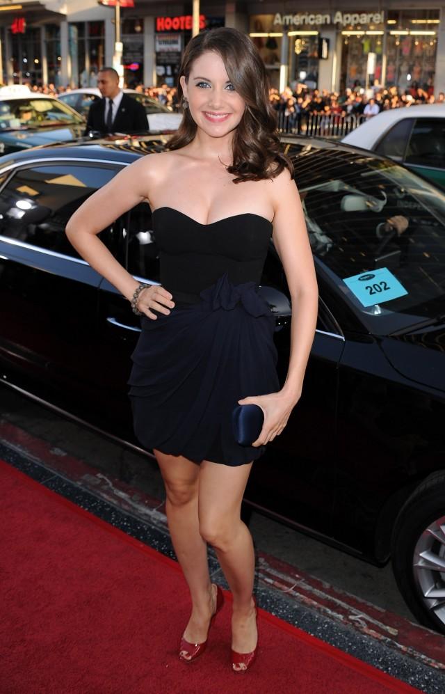 Alison Brie 21 - Alison Brie