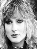 June Chadwick profil resmi