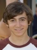 Vincent Martella profil resmi