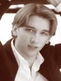 Andrew Jones profil resmi