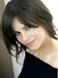 Emily Hampshire profil resmi
