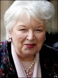 June Whitfield profil resmi