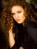 Lisa Marcos profil resmi