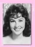 Maggie Pierce profil resmi
