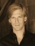 Peter Giles profil resmi
