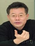 Yong-bae Choi profil resmi