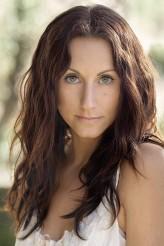 Amanda Barton profil resmi