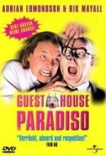 Guest House Paradiso (1999) afişi