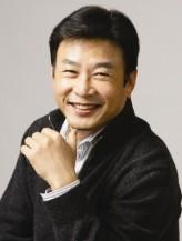 Kil Yong-Woo profil resmi