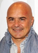 Luca Zingaretti profil resmi