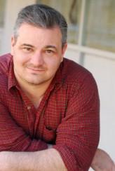 Michael Patrick McGill profil resmi