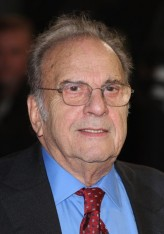 Ronald Harwood profil resmi