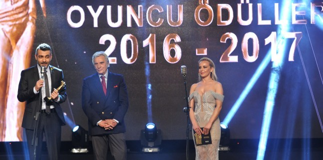 22. Sadri Alışık Ödülleri Sahiplerini Buldu