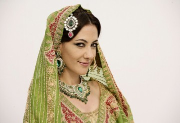 Meltem Cumbul Bollywood'da