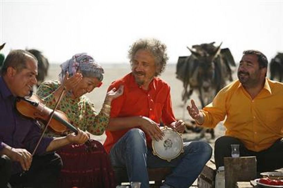 23. Ankara Uluslararası Film Festivali'nde 'En İyi Film'  'Entelköy, Efeköy'e Karşı' seçildi