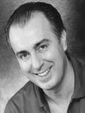 Armando De Razza profil resmi