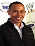 Ernie Reyes Jr. profil resmi