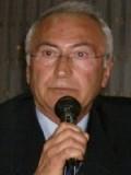 İsmet Çınar profil resmi