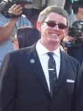 Tom J. Astle profil resmi