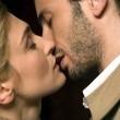 Shall We Kiss? Resimleri