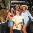 Beverly Hills Family Robinson Resimleri